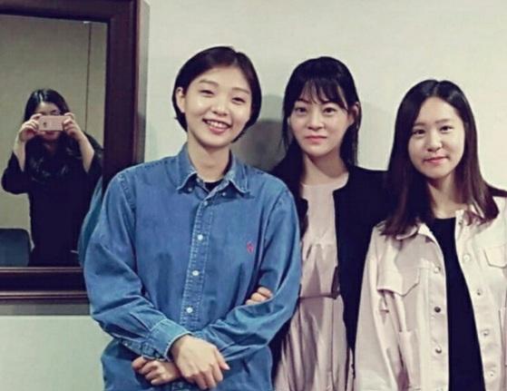 왼쪽부터 (거울 속에) 장은애 한국기원 대리, 송혜령 2단, 나, 오유진 5단.
