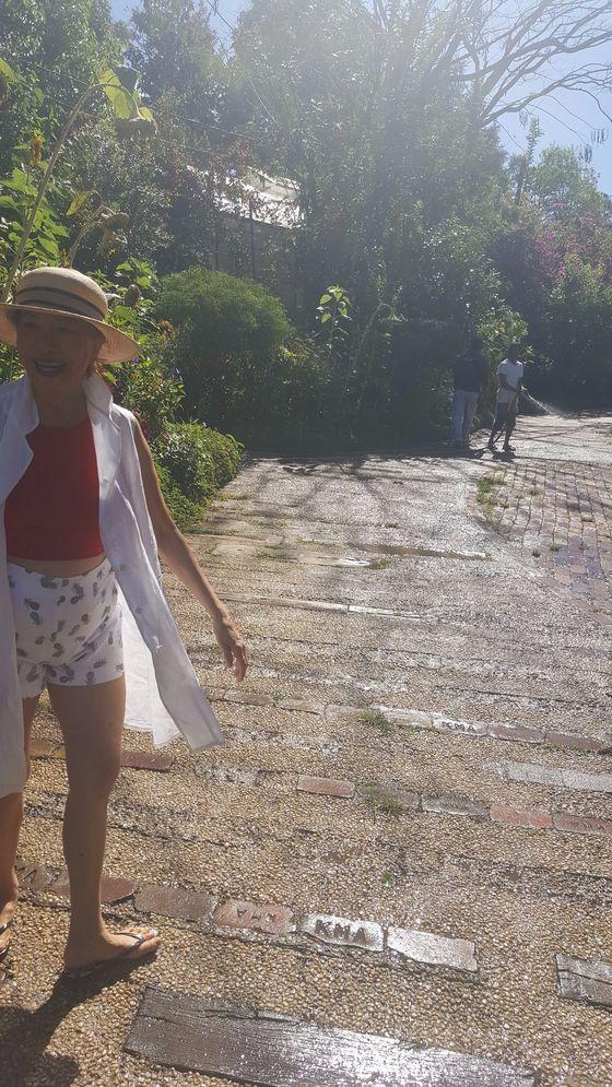 우아한 정원 소냐스가든을 가꾼 안주인 소냐 가르시아.