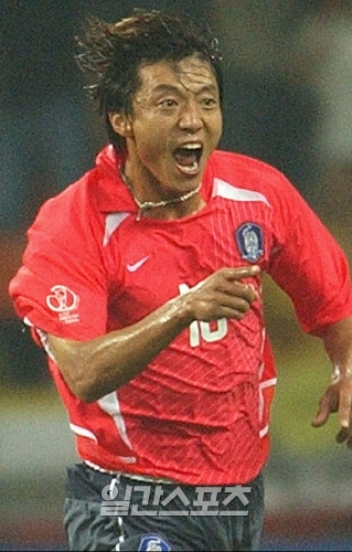 2002년 월드컵 당시 폴란드전 첫 골의 주인공이었던 황선홍 現FC서울 감독