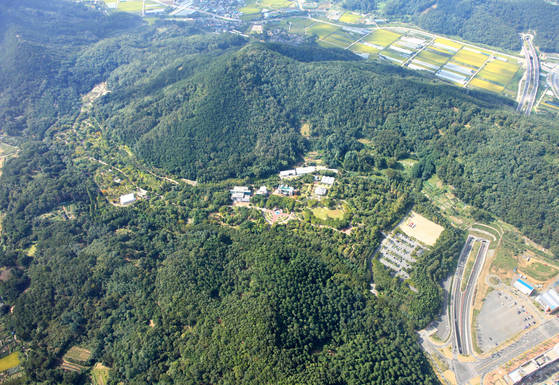 1000㎡ 크기 '열대과일원'이 위치한 대구 달서구대곡동 대구수목원 전경. [사진 대구수목원]