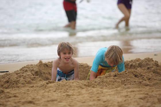 하나우마 베이. 수심이 얕아 어린이가 해수욕하기 좋다.