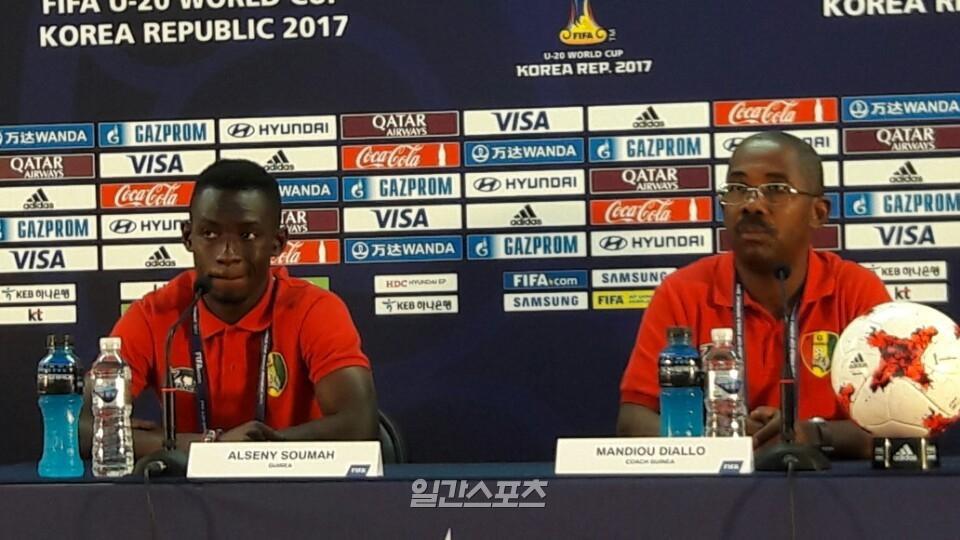 만주 디알로 기니 U-20 대표팀 감독