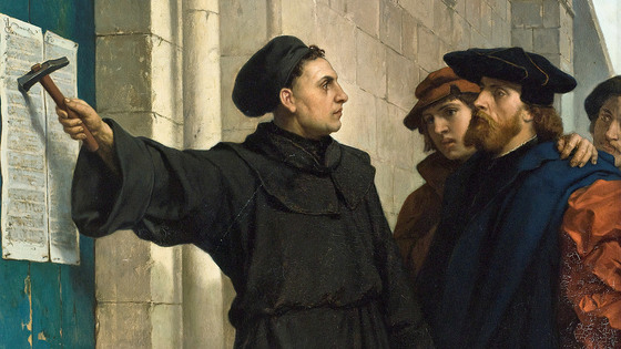 마르틴 루터가 독일의 비텐베르크 교회 외벽에 면죄부 판매 등에 의문을 품고서 신학적 토론을 제안하는 '95개 논제'를 써 붙이고 있다. '95개 논제'는 당시 인쇄술 혁명에 힘입어 유럽 전역으로 퍼져나갔다. 각국의 언어로 번역됐기에 파장이 더욱 컸다.