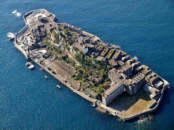 일본 나가사키항 근해에 위치한 군함도(일본명 하시마).[사진 중앙포토]