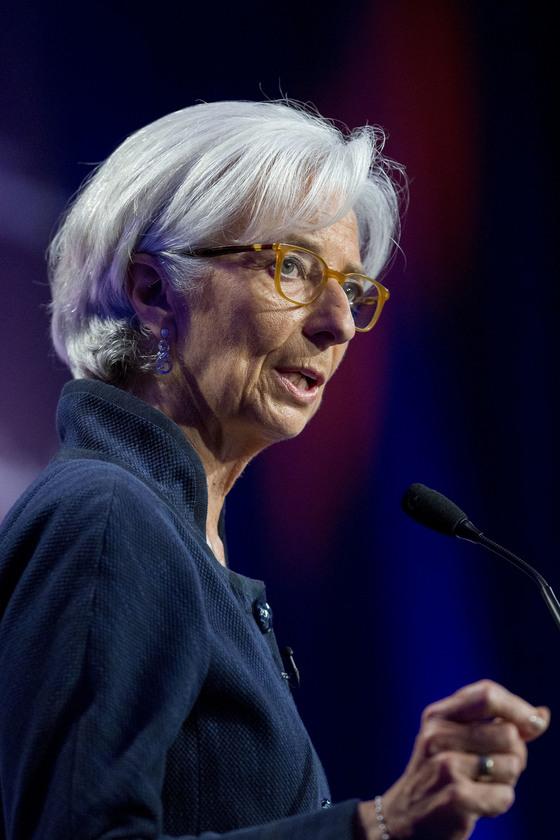 최근 금융정책 홍보 방식을 트위터처럼 바꾸자고 제안한 크리스틴 라가르드 IMF 총재. [중앙DB]