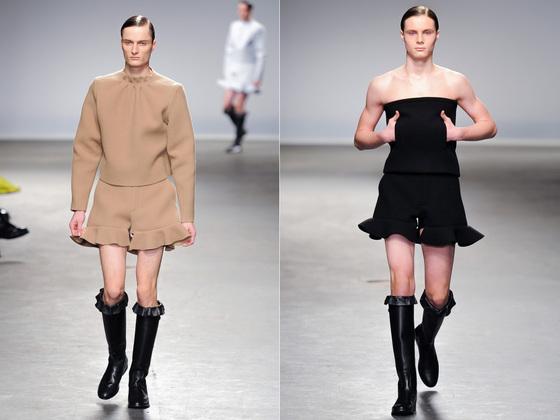J.W. 앤더슨의 2013년 가을겨울 컬렉션. 여성스러운 프릴 드레스와 부츠로 당시 큰 화제를 모았다. [중앙포토]
