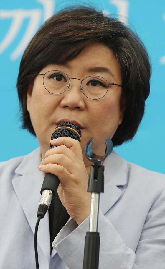 17일 최고위원회의 참석한 이혜훈 대표. [연합뉴스]