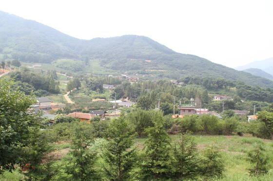 경남 대표 팜스테이 마을인 밀양꽃새미마을 전경. 위성욱 기자