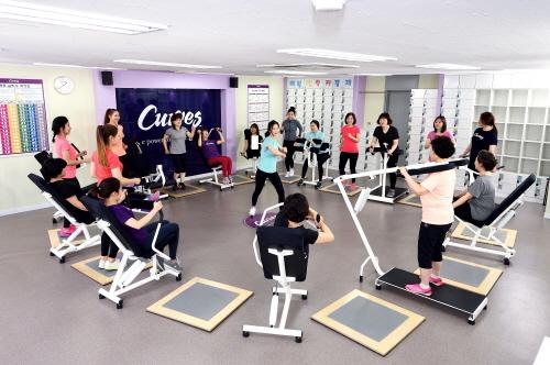하루 30분으로 근력운동, 유산소운동, 스트레칭을 끝낼 수 있는 커브스 30분 순환운동