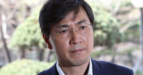 '비서 성폭행 혐의' 안희정, 내달 15일 첫 '공판준비기일'