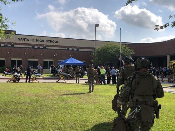 미국 텍사스주 고교에서 총격…최소 8명 사망