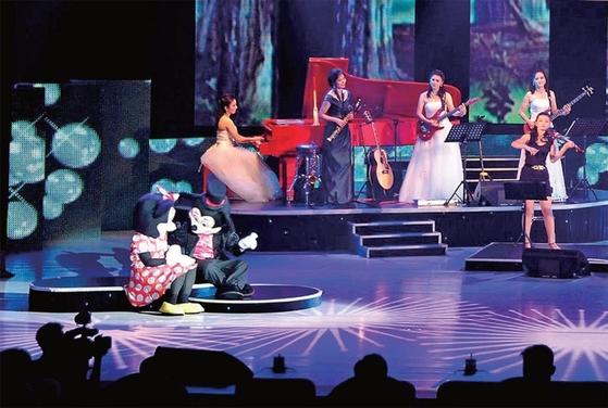 2012년 7월 북한 모란봉악단의 공연에 처음 등장한 미키마우스 캐릭터.