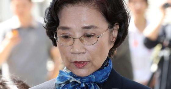 직원 폭행 이유로 재벌총수 부인 첫 구속되나…이명희 영장심사 긴장