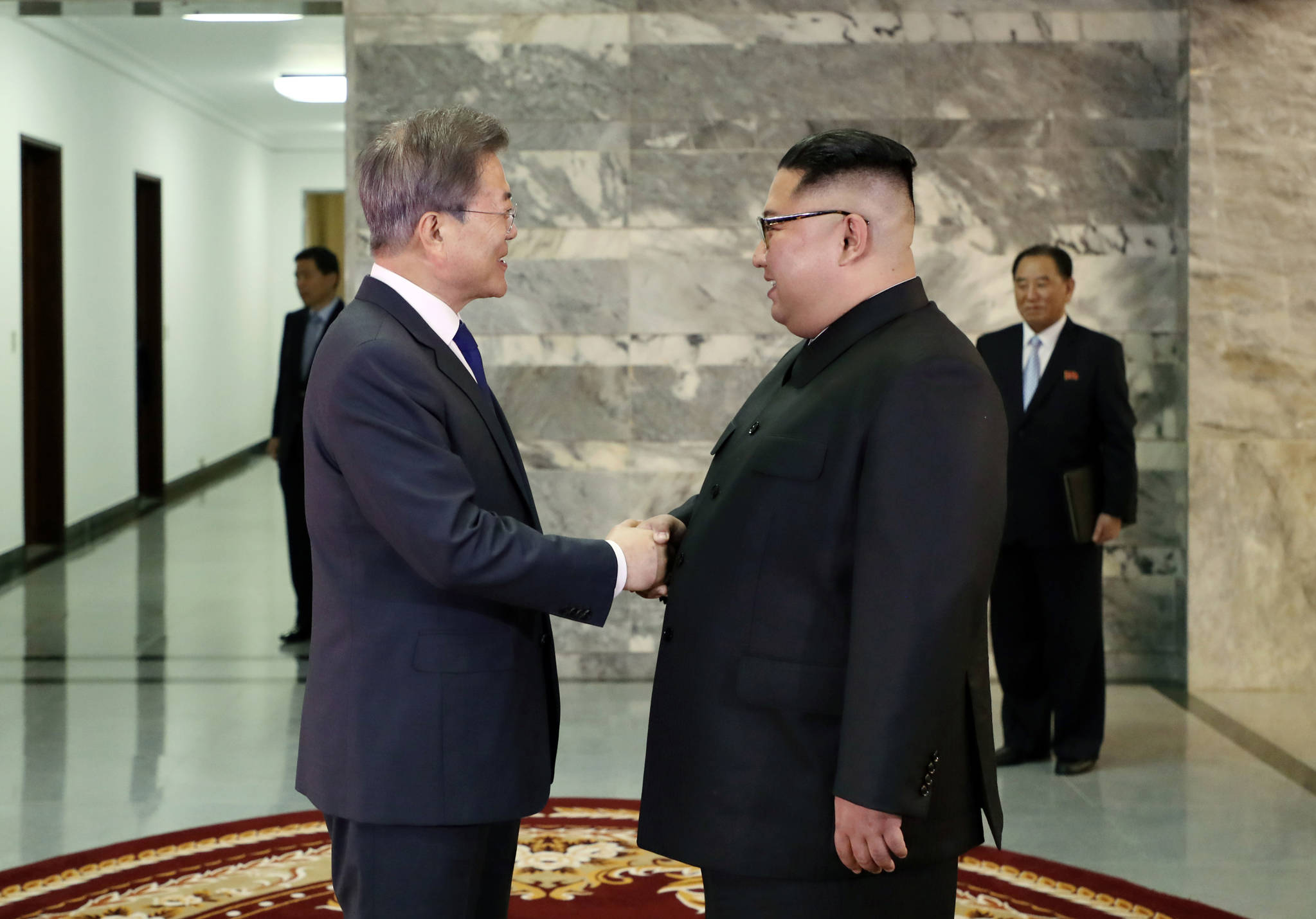 남북정상회담 이후 북한 서적 판매량 20배 증가