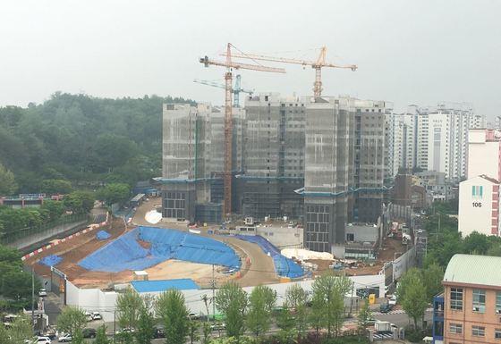 서울의 한 아파트 공사현장