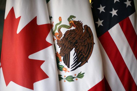2026년 월드컵 유치에 성공한 캐나다-멕시코-미국. [로이터=연합뉴스]