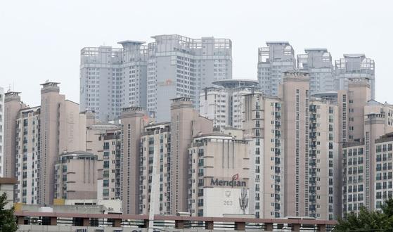 부동산 시장 과열 논란이 일고 있는 대구 수성구 범어동 아파트 단지. (연합뉴스)