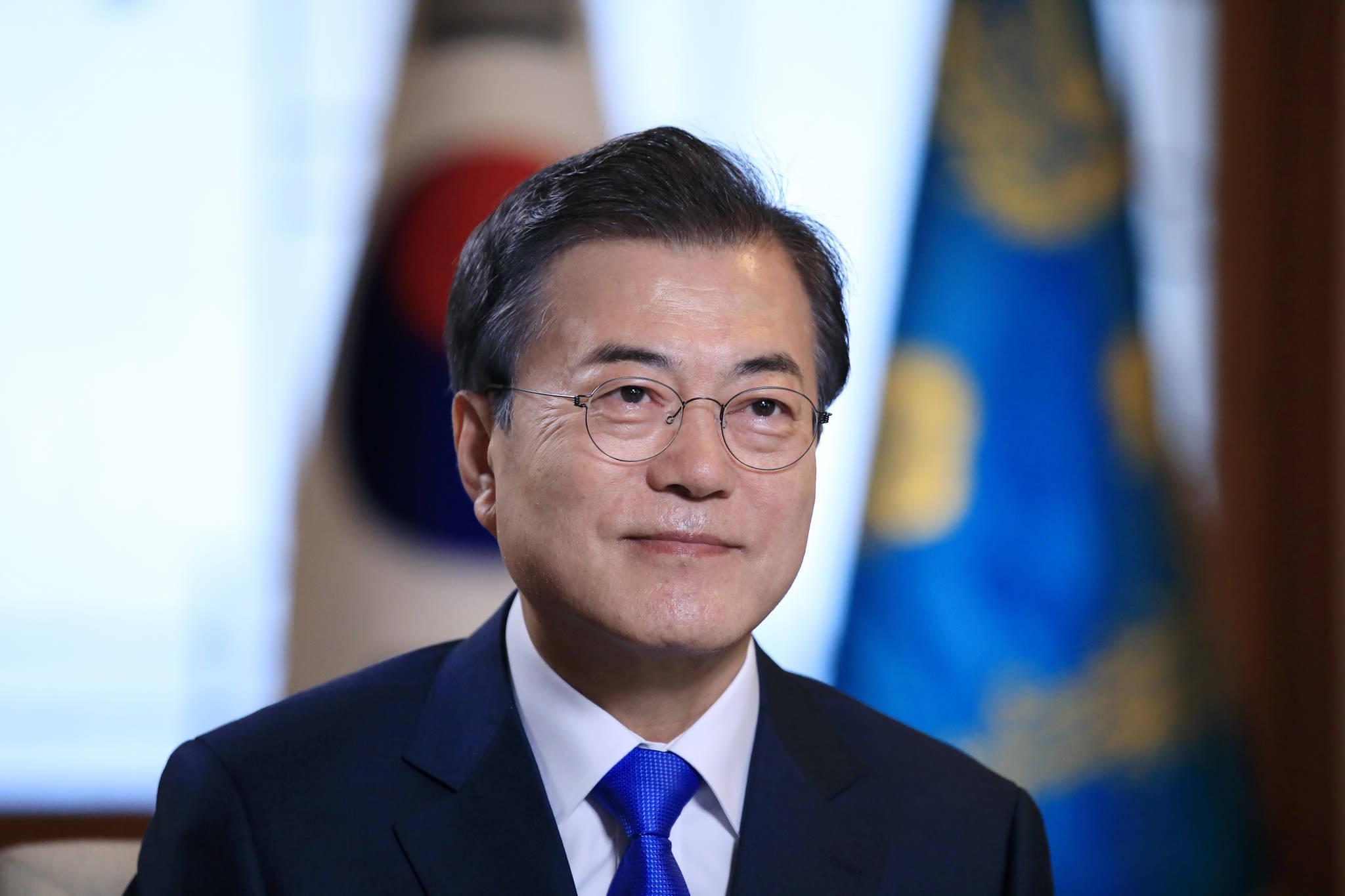 """문 대통령 """"철도·가스·전기부터 남·북·러 3각 협력 시작 가능"""""""