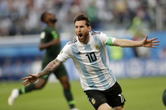 마침내 막 올린 메시의 월드컵 … 8강서 보자, 호날두
