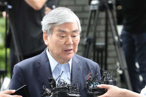 """한진그룹 조양호 회장 15시간 조사 후 귀가…""""성실하게 조사 임했다"""""""