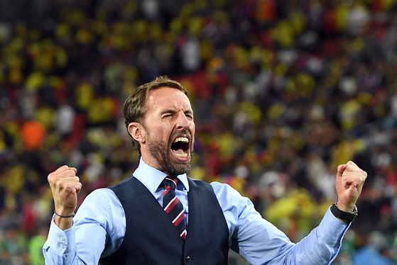 4일 열린 러시아 월드컵 16강 콜롬비아전에서 승리한 뒤 기뻐하는 가레스 사우스게이트 잉글랜드 축구대표팀 감독. [EPA=연합뉴스]