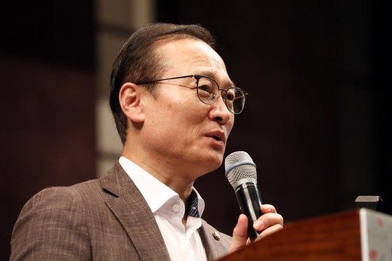 """'삼성 20조 발언' 해명한 홍영표 """"재벌해체 주장 결코 아냐"""""""