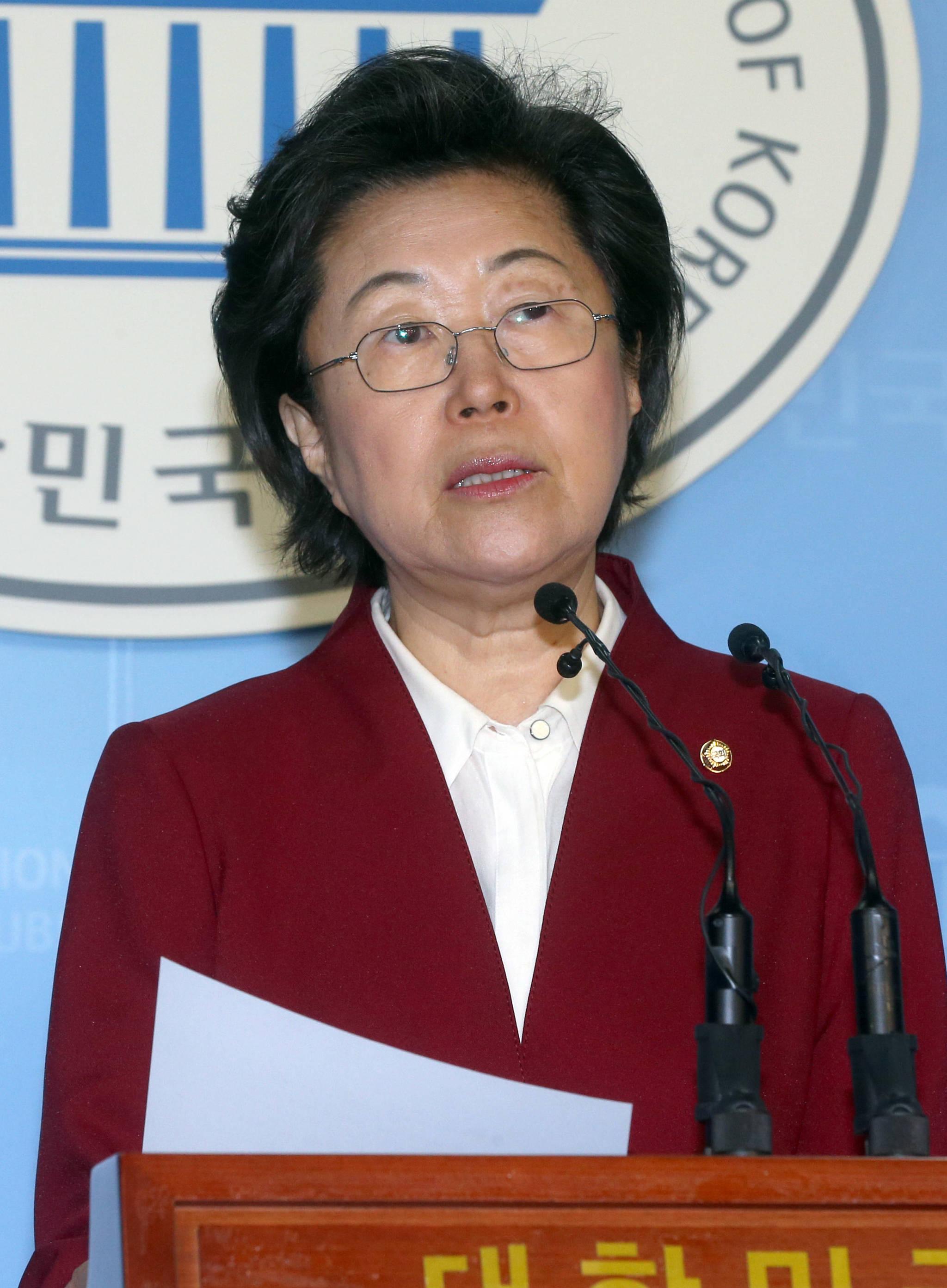 """이은재 """"기무사 문건에 음모 어딨나…靑참모들 집단 난독증"""""""