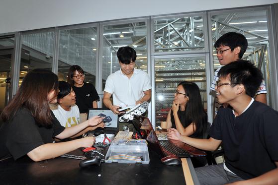 일본-대만 대학생들과 8주간 주택·로봇 제작 프로젝트