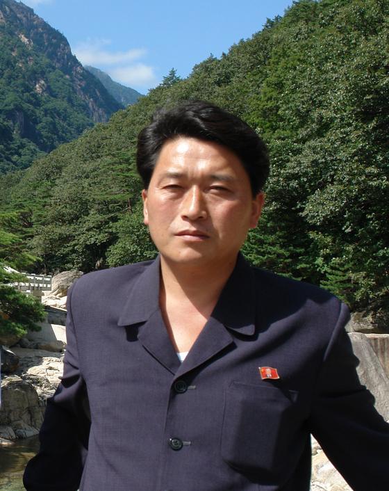 3일 금강산에서 열린 정몽헌 회장 추모식에 참석한 맹경일의 2013년(추정) 사진. 맹경일 아태 부위원장은 북한의 대표적인 대남 일꾼이다.<br><br>[중앙포토]