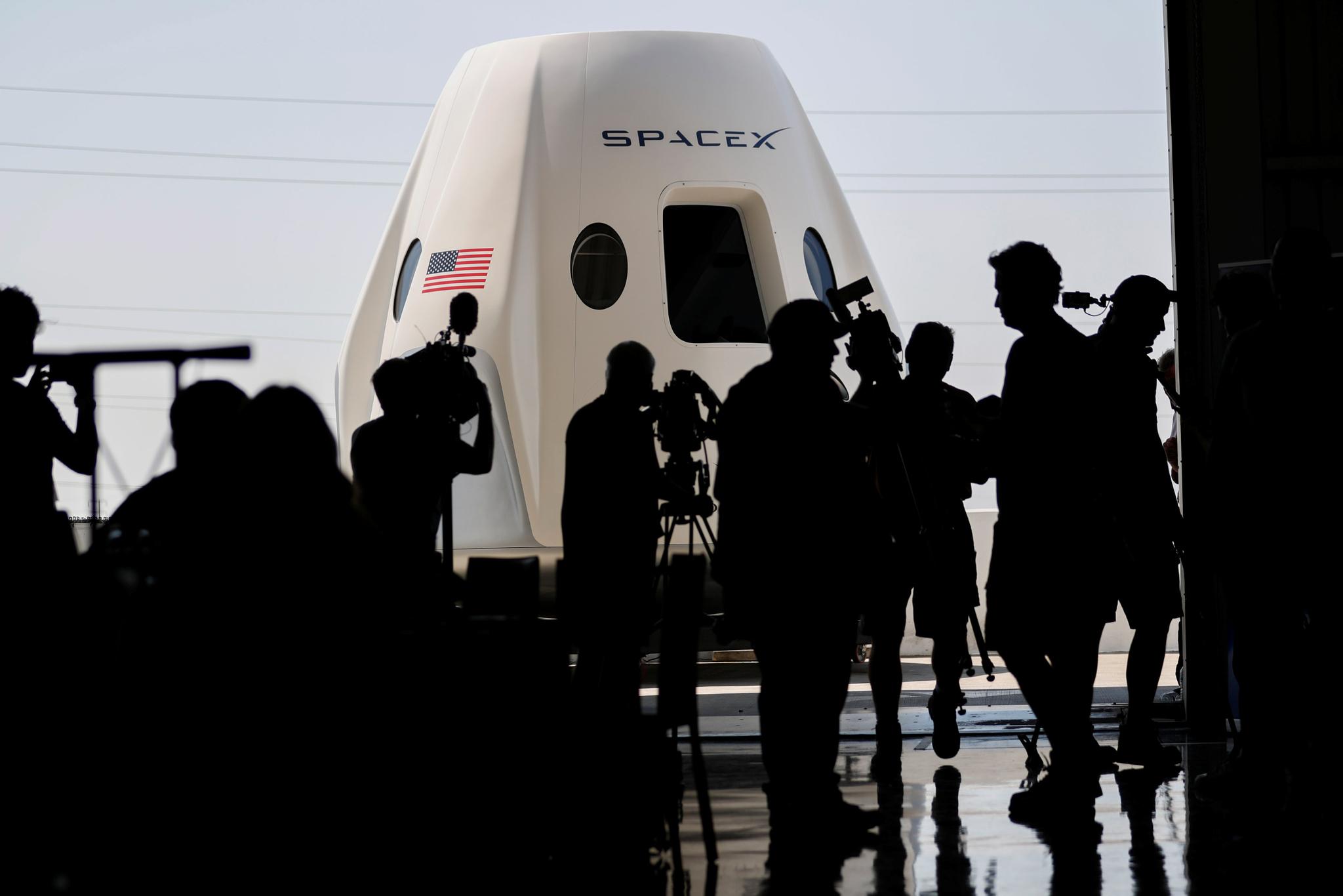 [서소문사진관]달나라 여행 갈 때 탈 우주선, 실체를 드러내다