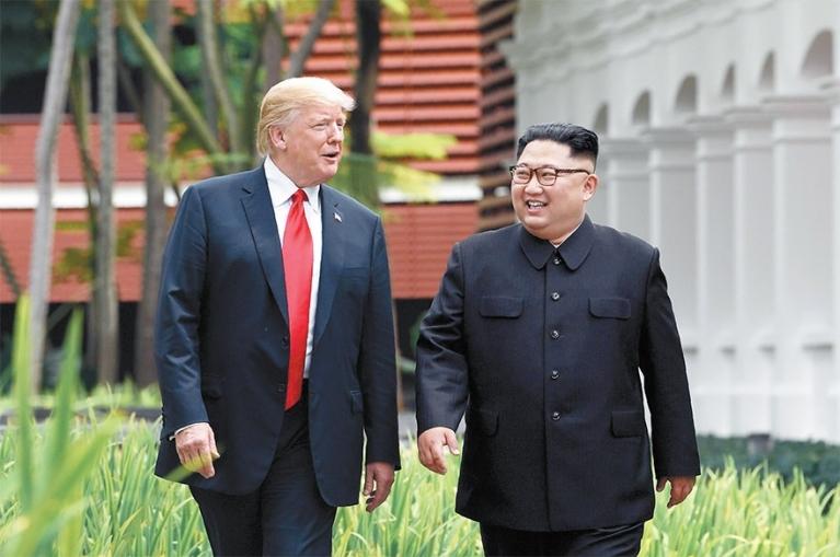 """트럼프 """"아마 김정은과 2차 정상회담하게 될 것"""""""