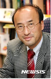 한동대 이재영 교수, 포스코 석좌교수에 선임