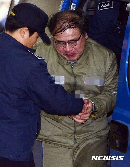 특검 소환되는 안종범 전 청와대 수석