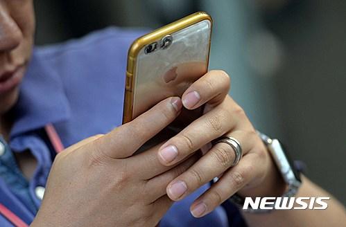 애플, 지난 4분기 美 스마트폰 시장 1위 수성…삼성은 2위