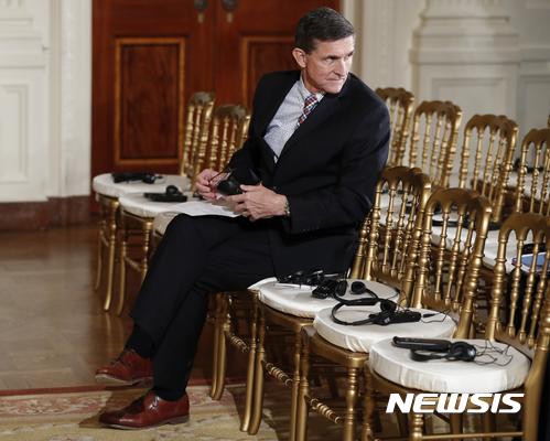 """""""플린, 러시아 스캔들 관련 법무부와 공동 대응"""" 상원 법사위 소위원장"""
