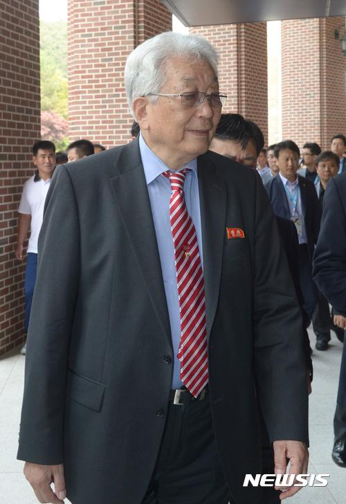 """장웅 IOC 위원 """"스포츠 통한 남북관계 개선은 천진난만한 생각"""""""