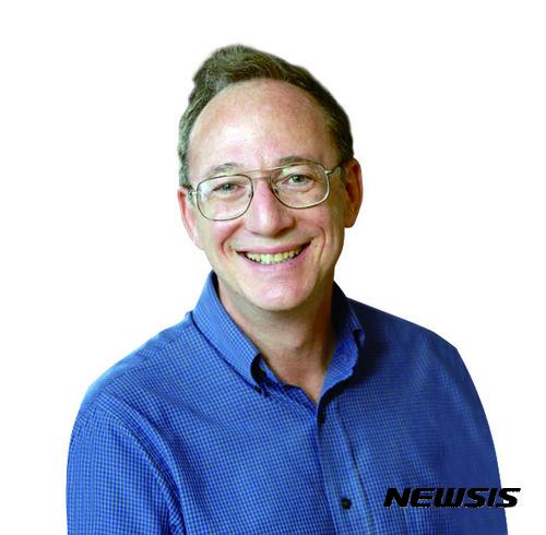 스티브 그래닉 기초과학연구원 첨단연성물질 연구단장