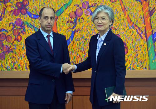 유엔 北인권특별보고관 강경화 외교장관 접견