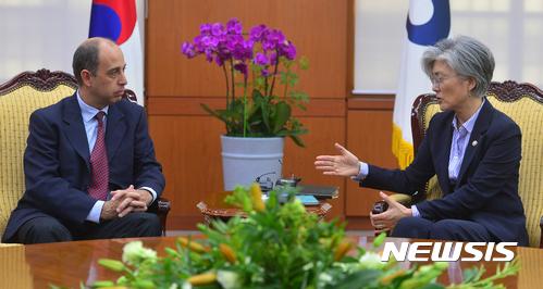 [종합]유엔 北인권특별보고관 외교·통일 고위당국자 접견