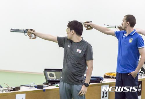 김태영 삼순데플림픽 사격 10m 공기권총 우승