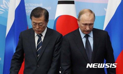 """크렘린 """"푸틴, 동방경제포럼 北 대표단 만날 계획 없어"""""""