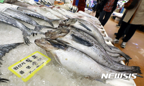 中日, 후쿠시마산 식품 수입금지 완화 조정…관계개선 일환