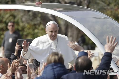 폴란드 대주교, 교황 빨리 죽기 바란다는 보수계 신부발언 비난