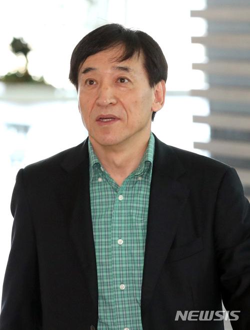 이주열 한국은행 총재 출국