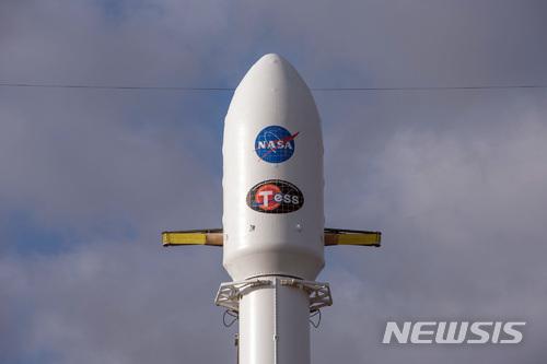 발사 기다리는 나사 우주탐사위성 테스