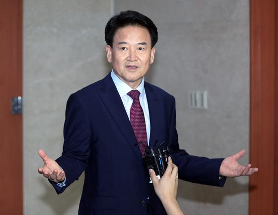 정동영 국민의당 의원이 6일 오후 국회에서 기자회견을 열고 당 대표 출마를 공식 선언했다. 박종근 기자