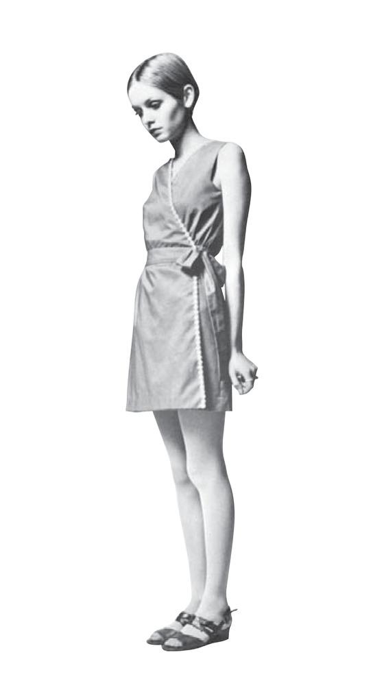 영국 모델 겸 배우 트위기. 50kg도 채안 나가는 몸매로 '세상에서 가장 비싼막대기'라는 별명을 얻을 정도였다. 하지만 당시 사이즈 8이었다. [중앙포토]