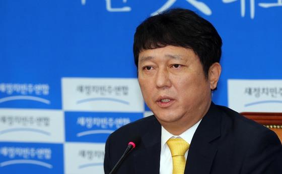 최재성 더불어민주당 정당발전위원회(정발위) 위원장 [중앙포토]