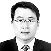 정진영 경희대학교 국제학과 교수