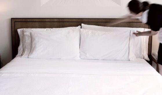 땀에 누렇게 변한 베개를 하얗게 만드려면 특별한 방법이 필요하다. [사진 웨스틴조선호텔]